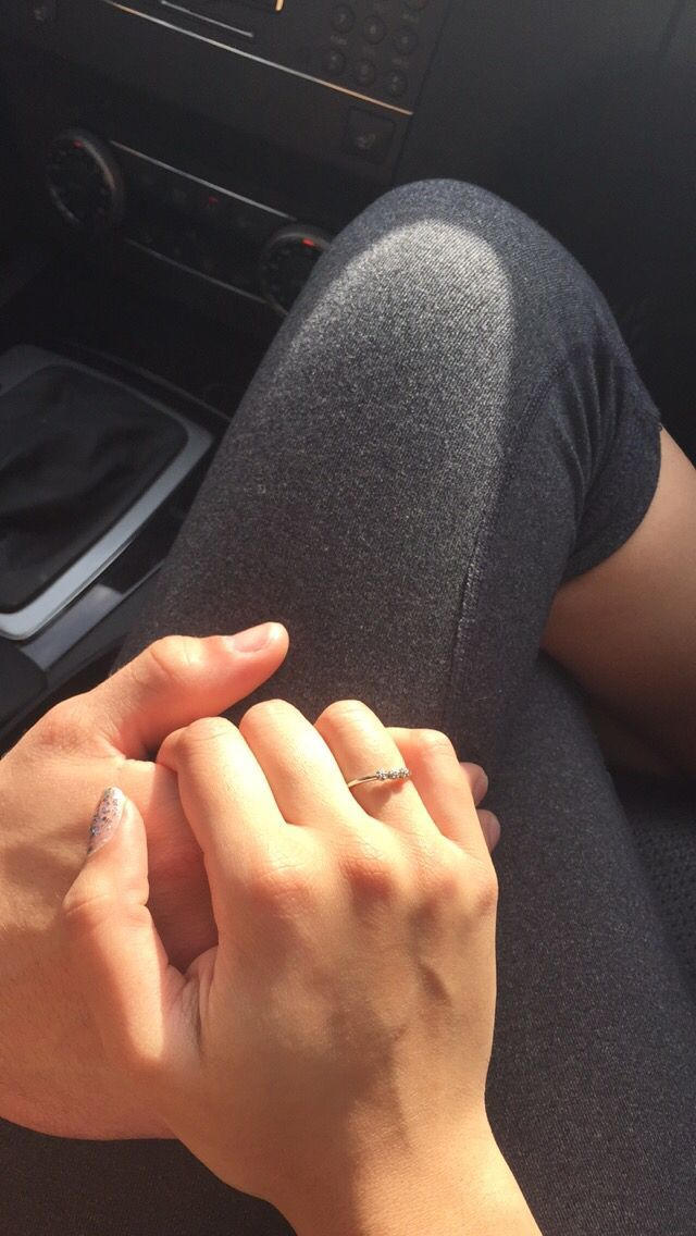 птица держаться за руки в машине фото предназначена