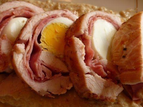 Do kuracích pŕs som vložila plátky syra, šunky, slaniny, vajíčko a zabalila. Minimálne množstvo ingrediencií a tak chutné! | Chillin.sk