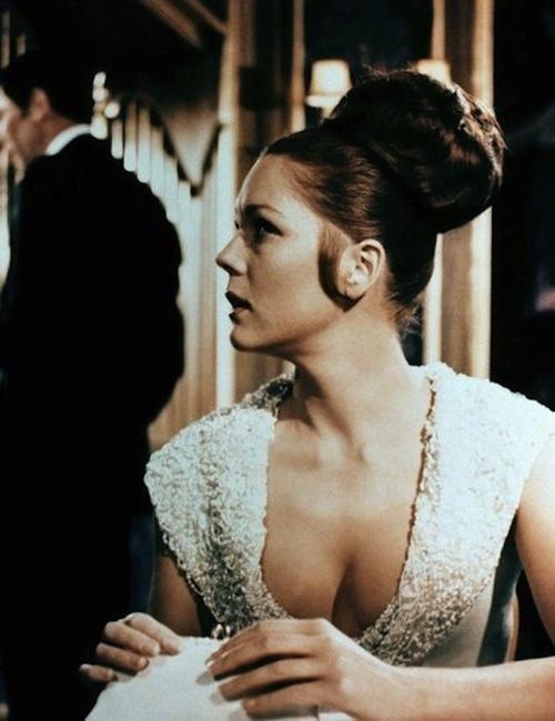 Bond Girl Tracy Di Vincenzo/Diana Rigg, 1969 - On Her Majesty's Secret Service