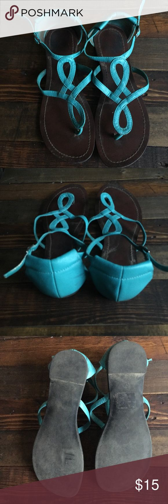 Old navy sandals Teal sandals from old navy. Definitely been worn, but lots of life left in them :) size 6.5 Old Navy Shoes Sandals
