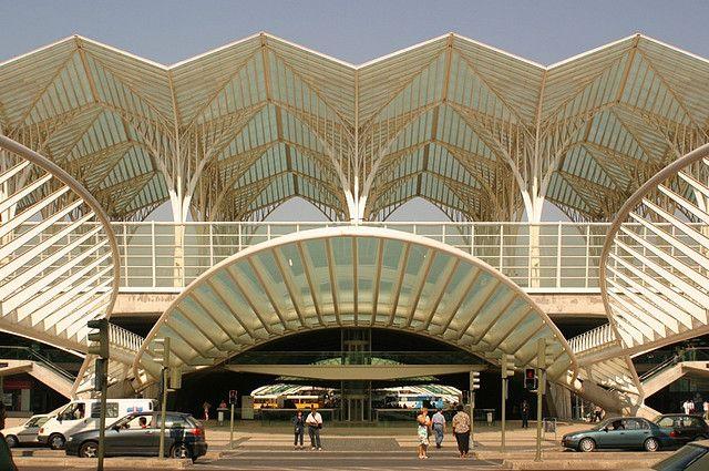 Gare+do+Oriente+Station+/+Santiago+Calatrava.   Archdaily 20th century tour