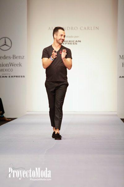 Alejandro Carlin en la presentacion de su coleccion en el #MBFWMx