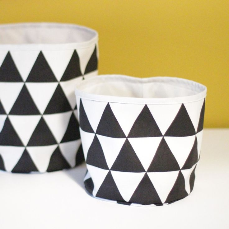 Babykamer Mandjes (zwart/wit/geel)