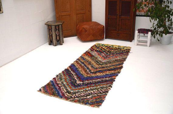 Tribal vintage de couleur 2'7 x 7 à berbère par Beniouraincarpets