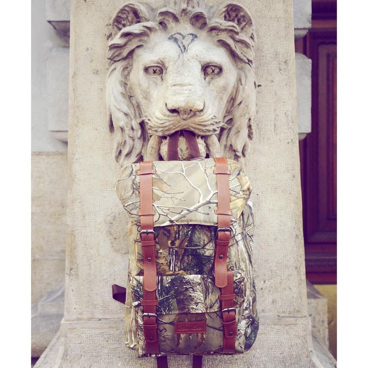 Iron like a Lion 🦁🌳  Nature insired forest pattern backpack for treehuggers #szputnyik #bags #szputnyikshop #budapest #accessories