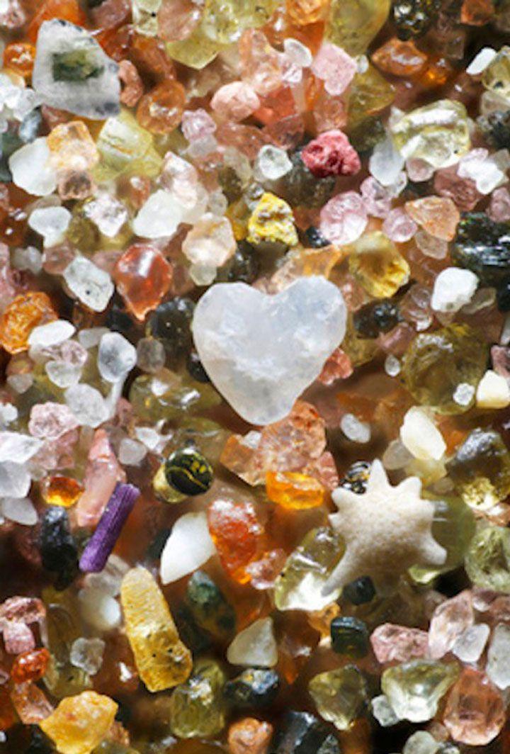 la-beaute-insoupconnee-du-sable-revelee-a-travers-de-somptueux-cliches-microscopiques1