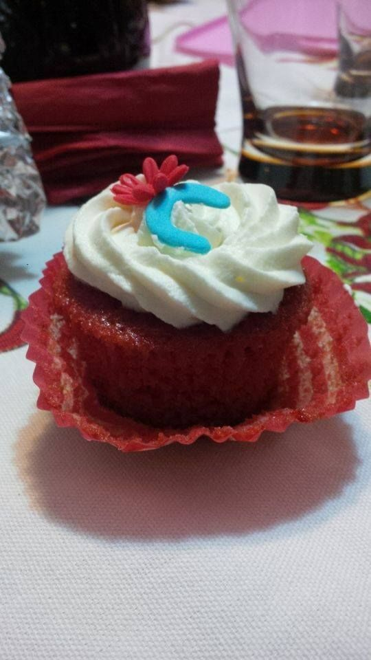 cupcake redvelvet con crema al cioccolato bianco
