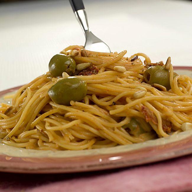 spagetti-med-soltorka-tomat-og-oliven-2