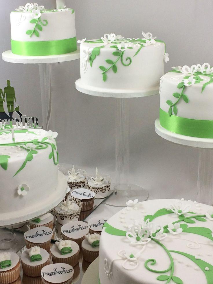 Wedding Cake Hochzeitstorte Treppe grün Green Cupcakes