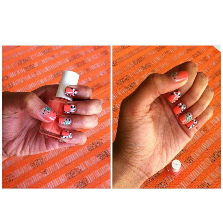 polka dot nail art summer nails !   tart deco - essie :))