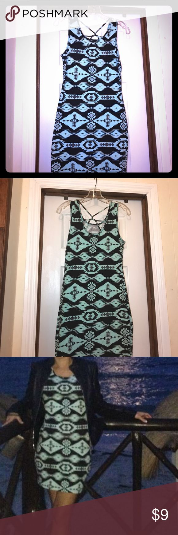 Aztec print dress. Super cute, size medium from Papaya. 95% cotton. 5% spandex. No holes, rips or stains. Gently used condition. Papaya Dresses Mini