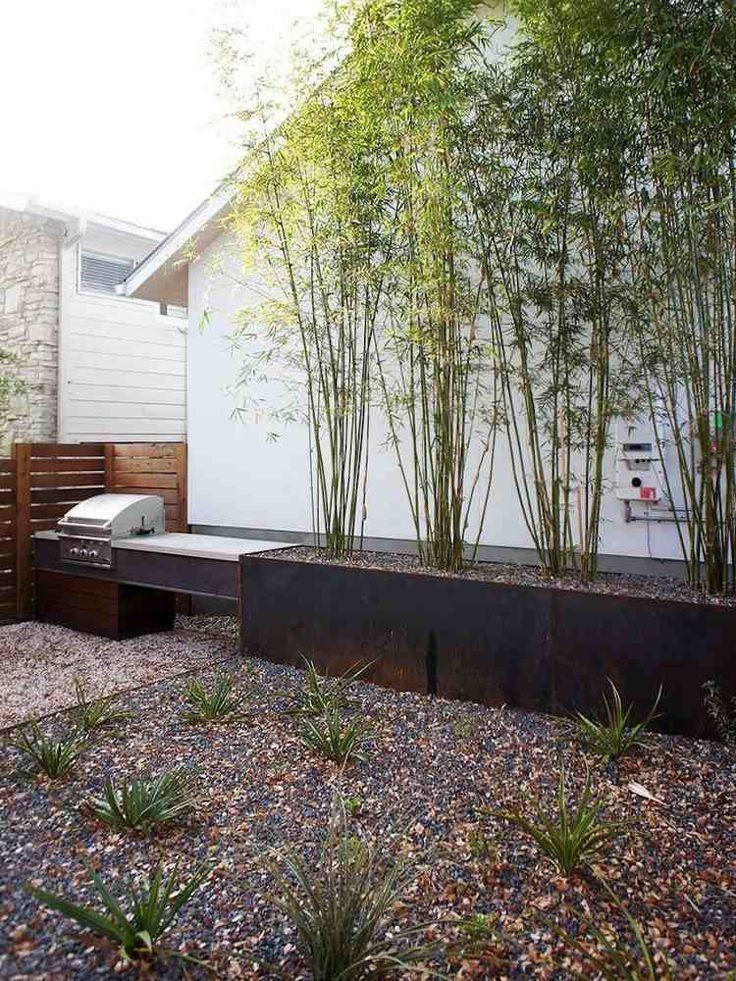 ... dans le jardin beau jardin avec brise vue bambou en jardinière