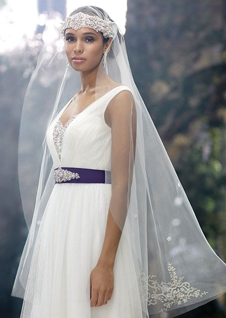 This Single Tier Double Combed Veil Features Metallic Embroidery Crystal Beading And Rhinestones Its A Look Inspired By Princess Jasmines Elegant