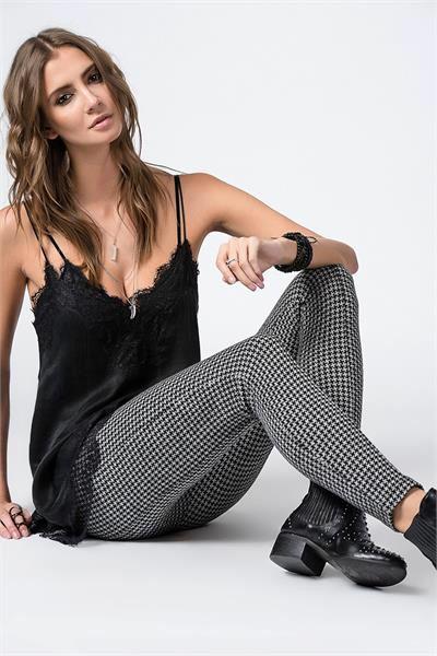 KAZAYAĞI DESENLİ PANTOLON Detaylar www.fashionturca.com