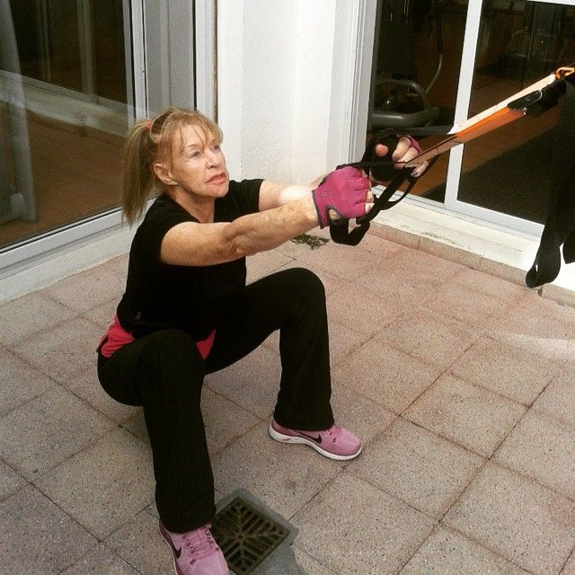 Personal Trainer - Sentadilla profunda TRX http://www.fnxentrenamiento.com/