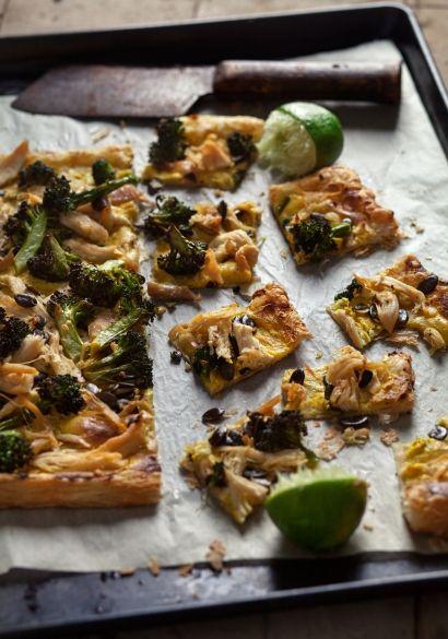 Tarte+fine+à+la+tartinade+de+fromage+au+cari,+poulet+&+légumes