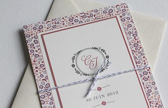 Carton d'invitation mariage      Monogramme et motif Liberty créent l'association parfaite. Vous pouvez lier votre carton d'invitation au faire-part avec un fil en baker twin par exemple.    Carte simple rectangle  Impression recto-verso  Format 90x140 mm  Papier vergé blanc naturel    A partir de 2 € l'unité