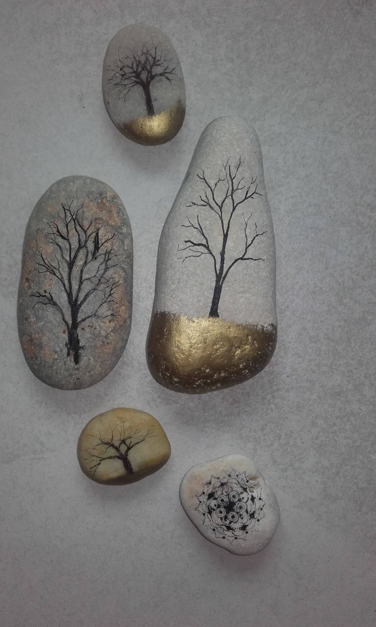 Trees on pebbles drawing Chinese gold ink stone