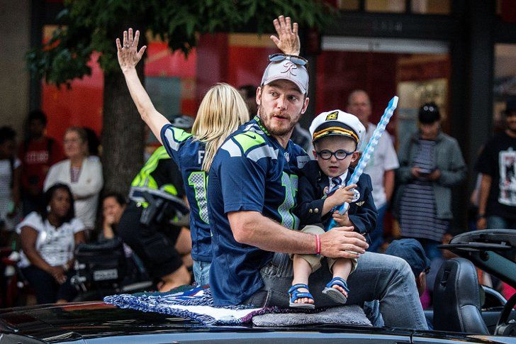 Pin for Later: Anna Faris and Chris Pratt's Son Steals the Spotlight During Seattle's Annual Parade