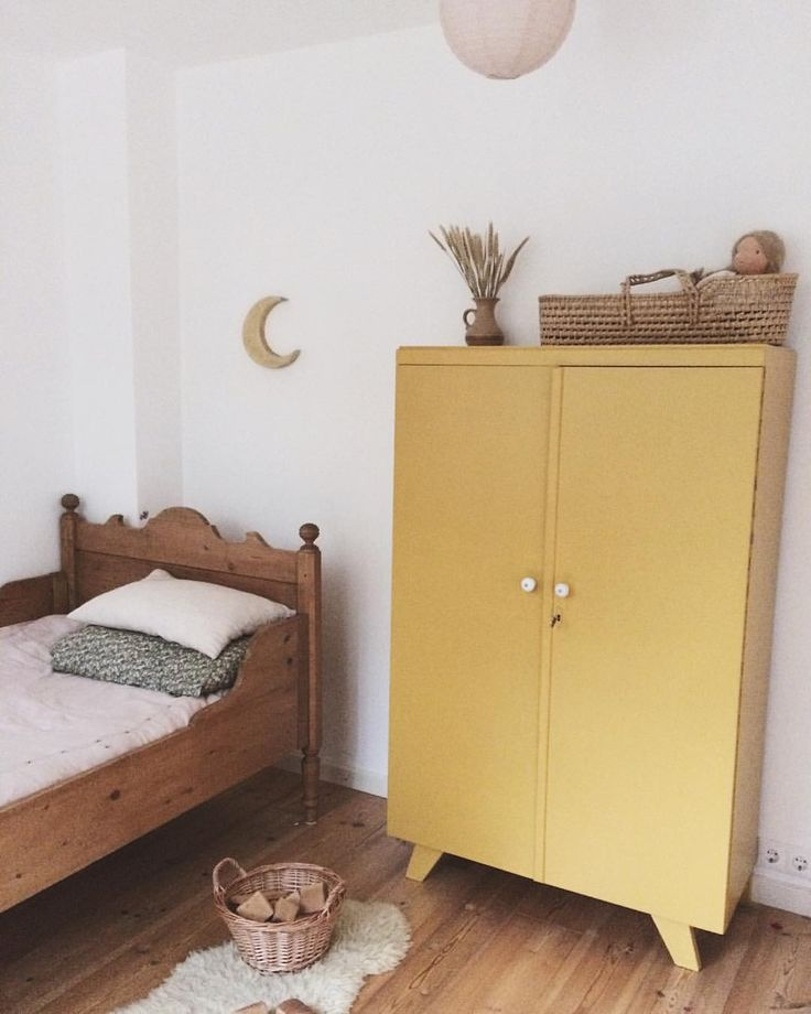 155 vind-ik-leuks, 4 reacties - Lotte (@lillelovaknits) op Instagram: 'Her room-work in progress'