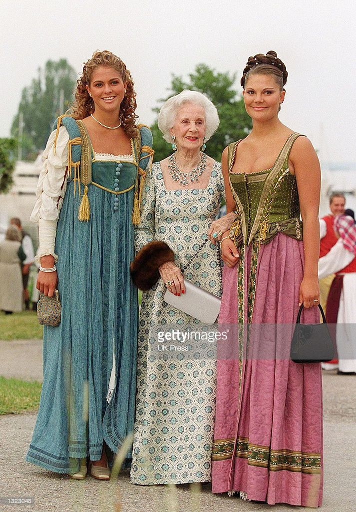 Sweden''s Princes Madeleine, Princess Lilian, and Princess Victoria pose for a photograph before attending an evening function as part of a two day of celebration to mark the 25th wedding anniversary of the King and Queen of Sweden June 18, 2001 at Gripsholm Castle in Sweden. (Photo by UK Press via Getty Images)