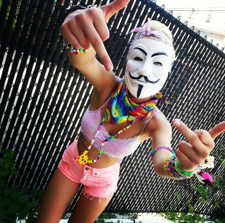 Such an epic Pic. EDM Girl