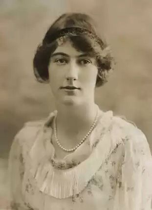Lady Dorothy Macmillan (July 28 1900-May 21 1966) daughter of the 9th Duke and Duchess of Devonshire and wife of British Prime Minister , Harold Macmillan .