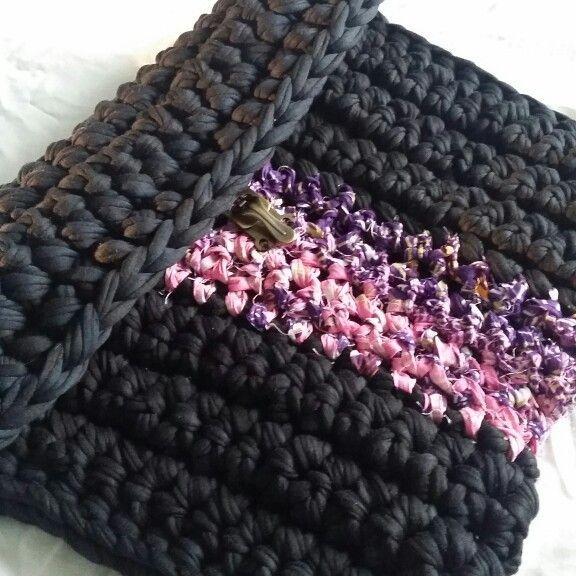Ryan-white crochet clutch bag.