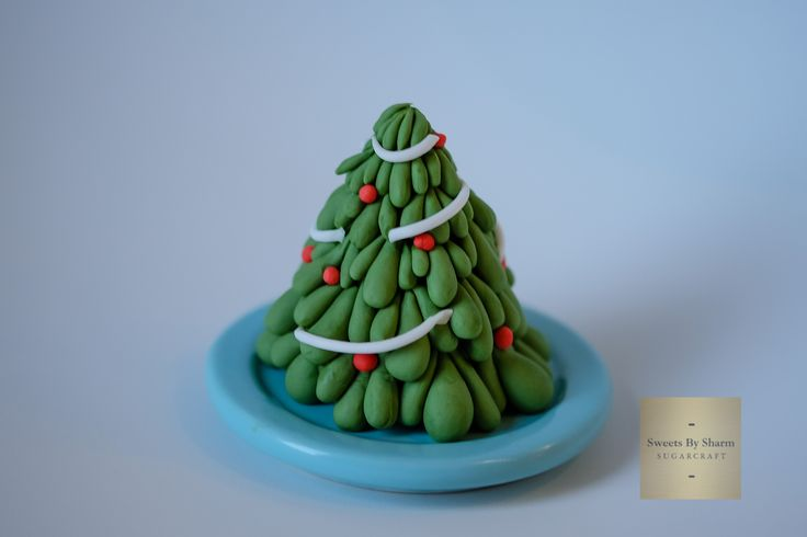 Fondant Christmas Tree #SweetsBySharm #ChristmasTree