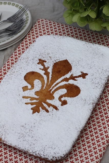 sweet bread http://karasitaliankitchen.blogspot.com.au/2012/08/schiacciata-alla-fiorentina-sweet-bread.html