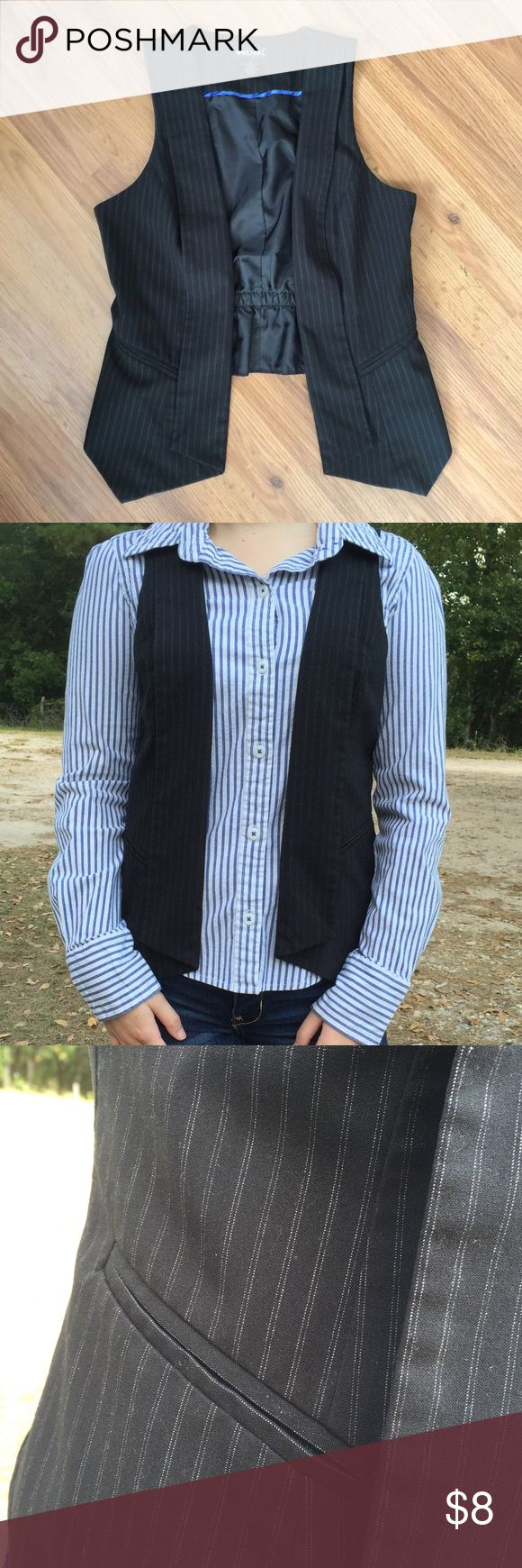 """😎 Pinstriped Rocker Vest This best of perfect for adding spunk to your wardrobe. Lightly used, no flaws, fully lined. Measurements on front are 23"""" long, 18"""" long in the back, laying flat 17"""" armpit to armpit. The best has two faux pockets in the front. Let me know if you have any questions. Bundle from my closet to get an awesome deal! 😆🎉 Wet Seal Jackets & Coats Vests"""
