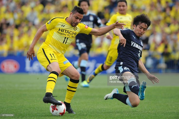 Diego Oliveira #11 of Kashiwa Reysol and Daiki Ogawa #24 of Jubilo Iwata compete for the ball during the J.League Levain Cup Group A match between Kashiwa Reysol and Jubilo Iwata at Hitachi Kashiwa Soccer Stadium on May 3, 2017 in Kashiwa, Chiba, Japan.