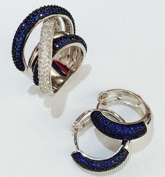Вы следите за модой? Тогда это точно для Вас!  Модные кольца на фаланги пальцев, кольца на весь палец, модные серьги, колье, браслеты и шикарные наборы… Мы всегда следим за качеством, модой и предлагаем только трендовые украшения по доступным ценам!