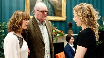 Emmerdale Spoiler (Thurs Jan 28): Paddy caught? Laurel's...: Emmerdale Spoiler (Thurs Jan 28): Paddy caught? Laurel's pain… #Emmerdale