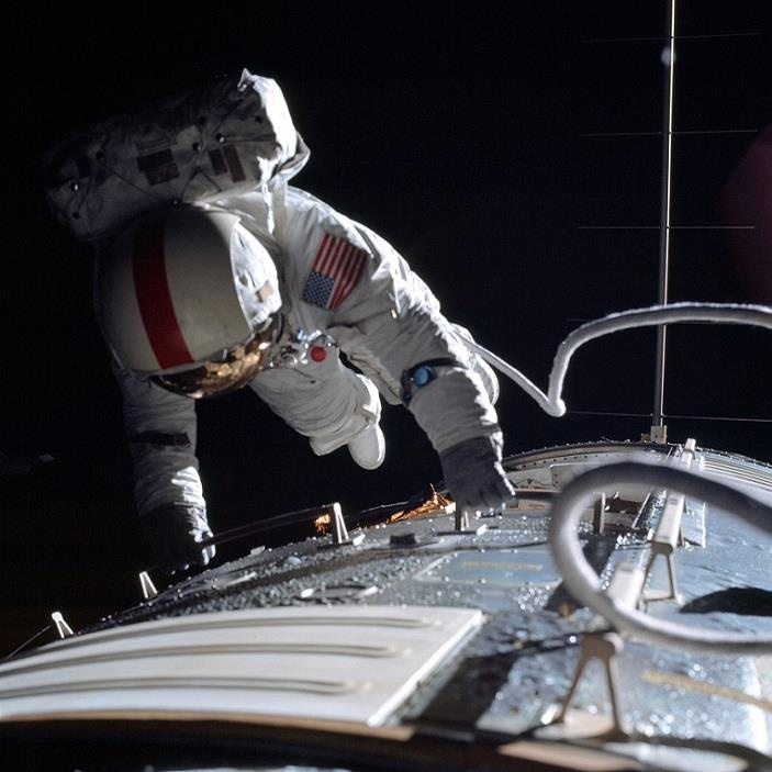 apollo deep space eva - photo #17