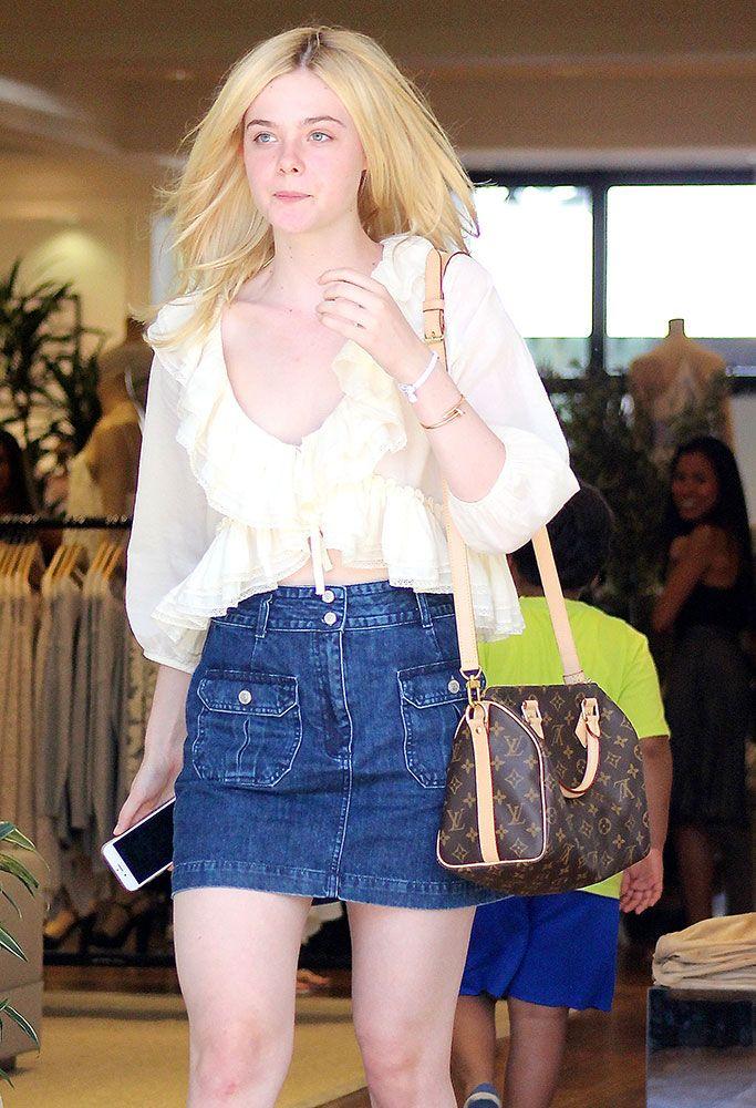 Elle-Fanning-Louis-Vuitton-Speedy-Bandouliere-Bag waysify