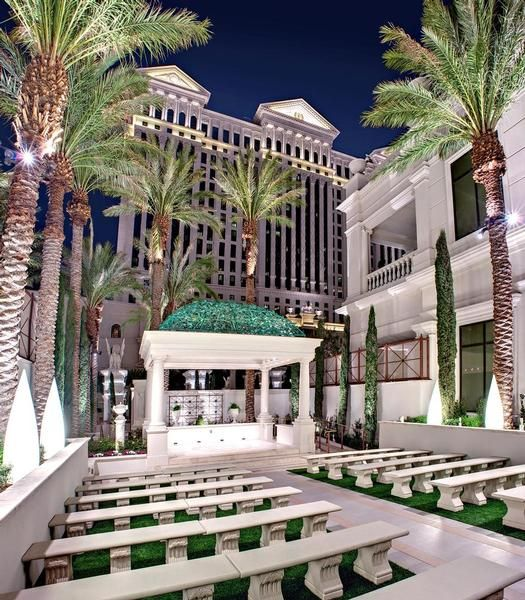 An elegant setting for a the ceremony - The Juno Garden at Caesars Palace