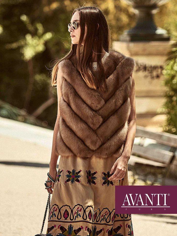 AVANTI FURS - MODEL: BERTILE 2 SABLE VEST with Leather details  #avantifurs #fur #fashion #sable #luxury #musthave #мех #шуба #стиль #норка #зима #красота #мода #topfurexperts