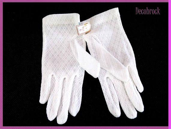 Paire de gants vintage de cérémonie 2 ans enfant ou poupée en maille de coton fait main blanc vintage France vintagefr mariage communion