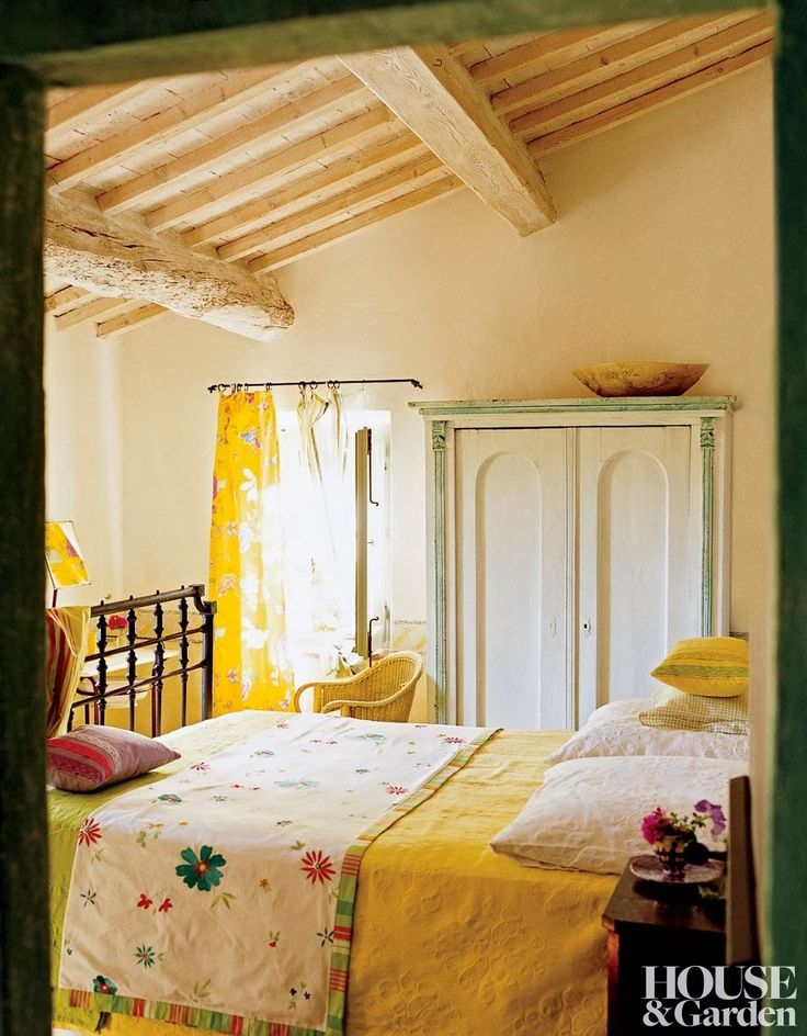 Tricia Guild Designers Guilds Rustic Farmhouse Retreat In Italy Interiors