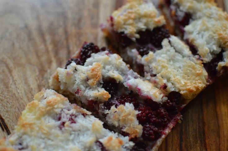 Blackberry Macaroon Tart (GOOD - I halved the recipe, which fit nicely ...