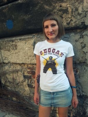 Female t-shirt Reggae Hit The Town. Designed special for Hot Shot Wear by artist Yauhen Zawadski. T-shirt was made in Poland from great quality cotton.