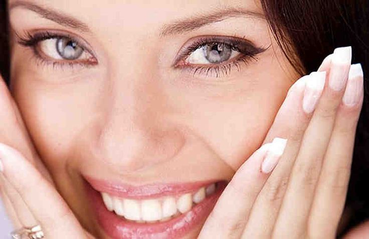 Эластичность и упругость молодой кожи обусловленывысоким содержанием жидкости и коллагена. Природные возрастные изменения уменьшают количество минералов, витамином, гиалуроновой кислоты.  Воспользовавшись лучшими рецептами масок, можно вернуть лицу молодость и красоту. Эти рецепты разработаны спе