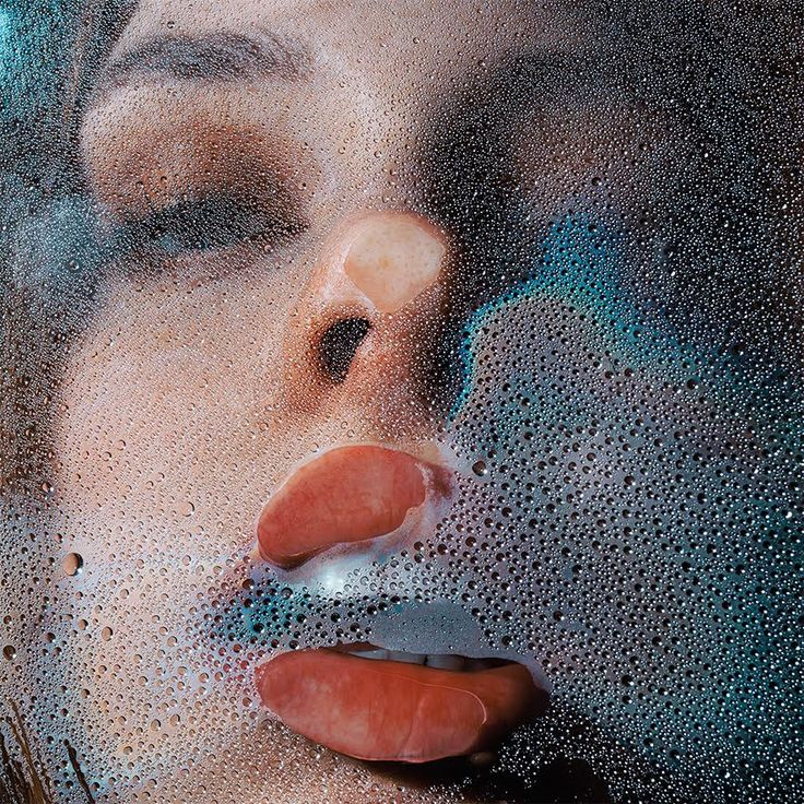 The Wet Kiss – Marius Sperlich Red parted lips, opalescent teeth and partly closed eyes may at first suggest an erotic encounter in this latest piece by German based photographer Marius Sperlich. We're left feeling slightly uneasy, maybe a little embarrassed, as if our secret voyeurism has been discovered. The shimmering beads of water and …