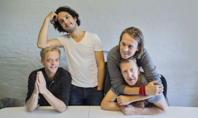 <P> KONTORKOS: Ylvis with sidekick come Calle Hell Vang-Larsen and Magnus Devold (seated).