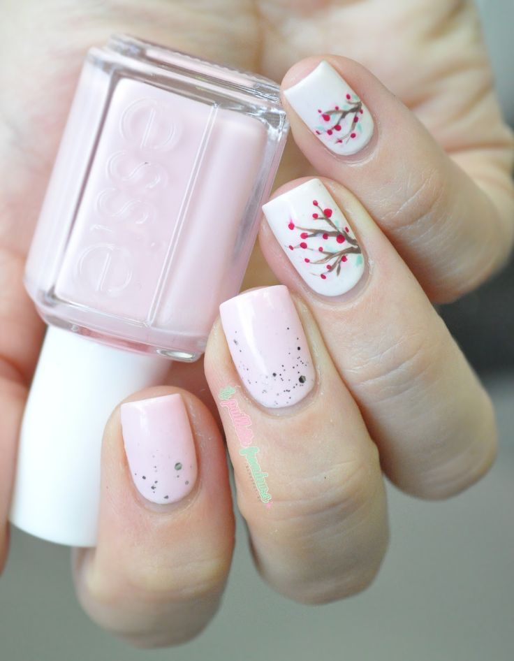 Delicate pink nails for spring.