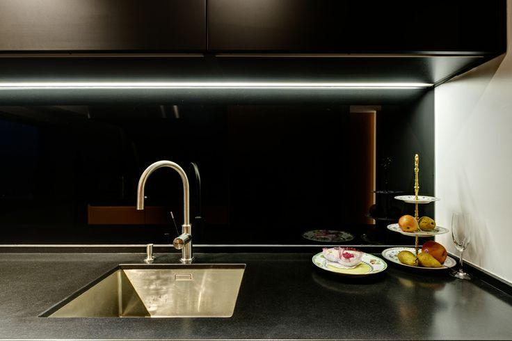 Kitchen in Paris. Lighting products: iGuzzini illuminazione #iGuzzini #Light #Lighting #underscore
