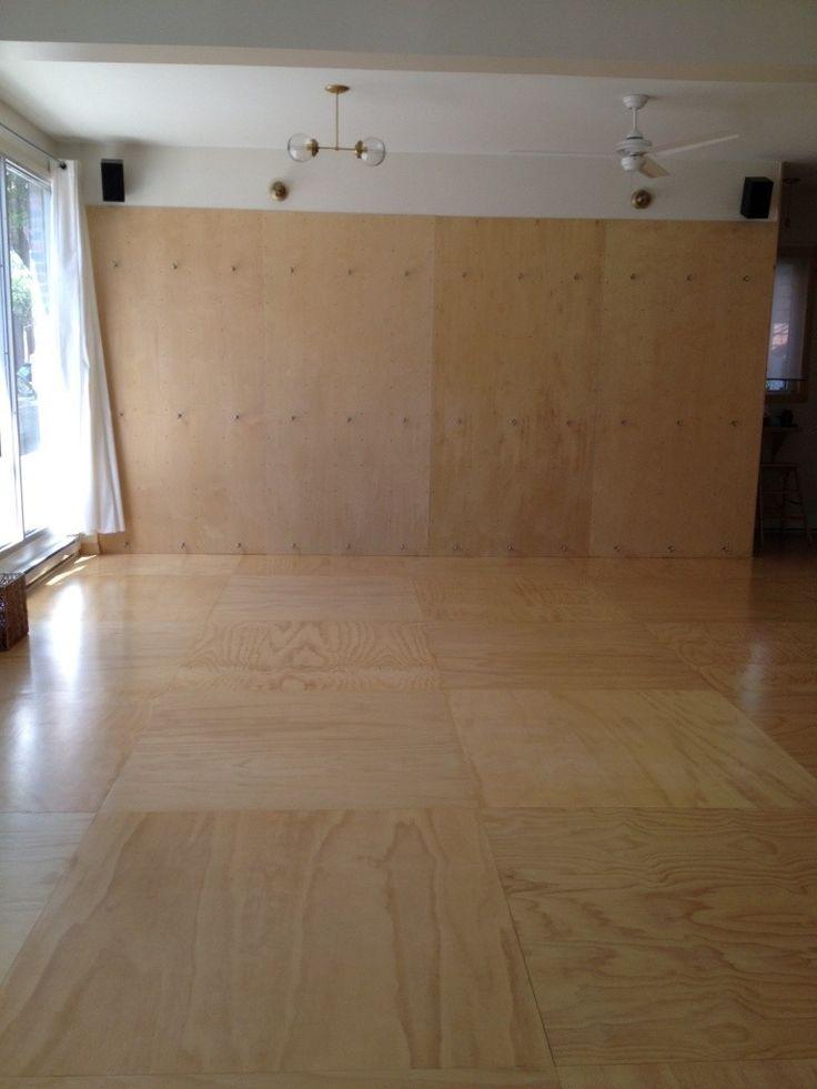plancher et mur contreplaqué