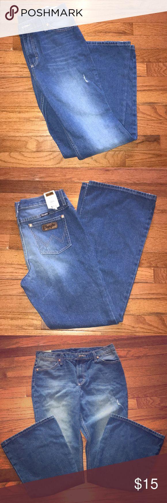 Cute Bootcut Blue Women's Jeans Wrangler 7/8 - 30 Brand new! Very cute! Wrangler Jeans Boot Cut