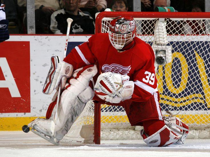Dominik Hasek, 2002 Stanley Cup Playoffs